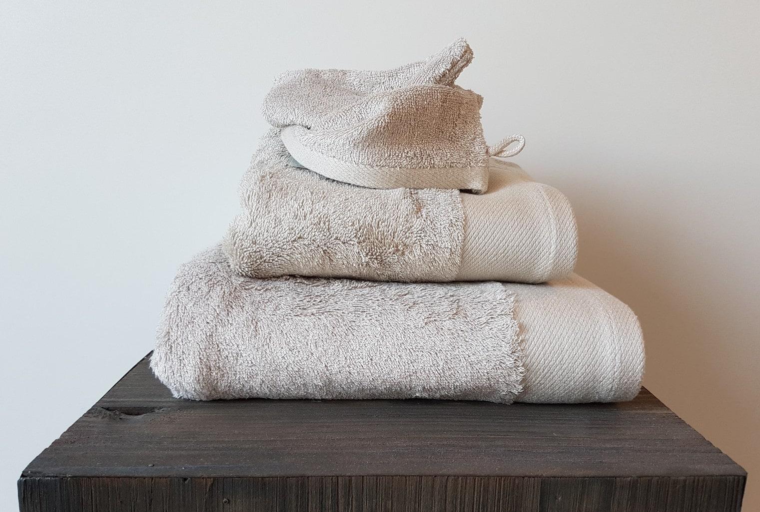 538ef9f7ff3 Handdoek Santens Bamboo Sand - Steleman Textiel